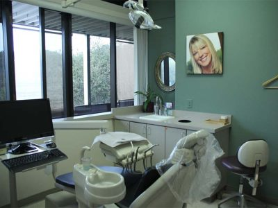 Dental office and operating chair